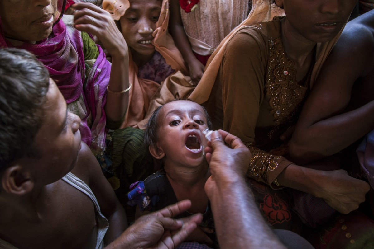 A Rohingya child receives a cholera vaccine as part of a UNICEF-supported immunization campaign in Cox's Bazar, Bangladesh. (CNW Group/UNICEF Canada)